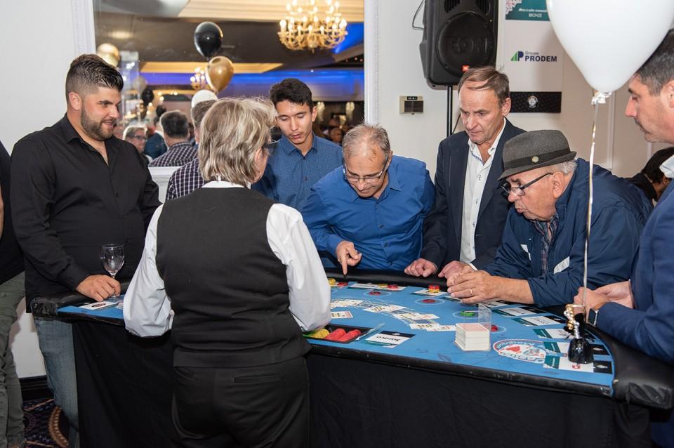 Casino_poker_2019_2002