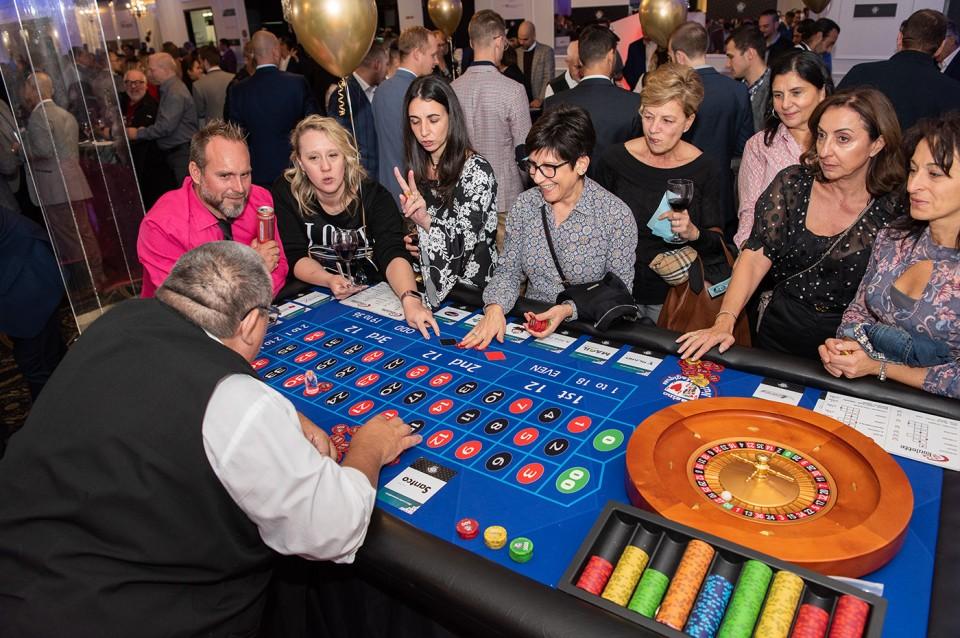 Casino_poker_2019_2033